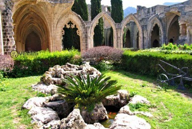 bellapais abbey, veles