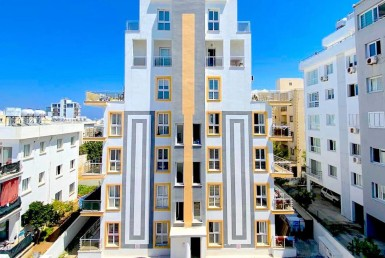 SA-142 PENTHOUSE 1 + 1 IN THE CENTER OF KYRENIA