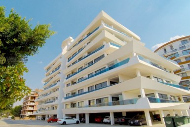 SA-403 ROYAL APARTMENT IN THE CENTER OF KYRENIA