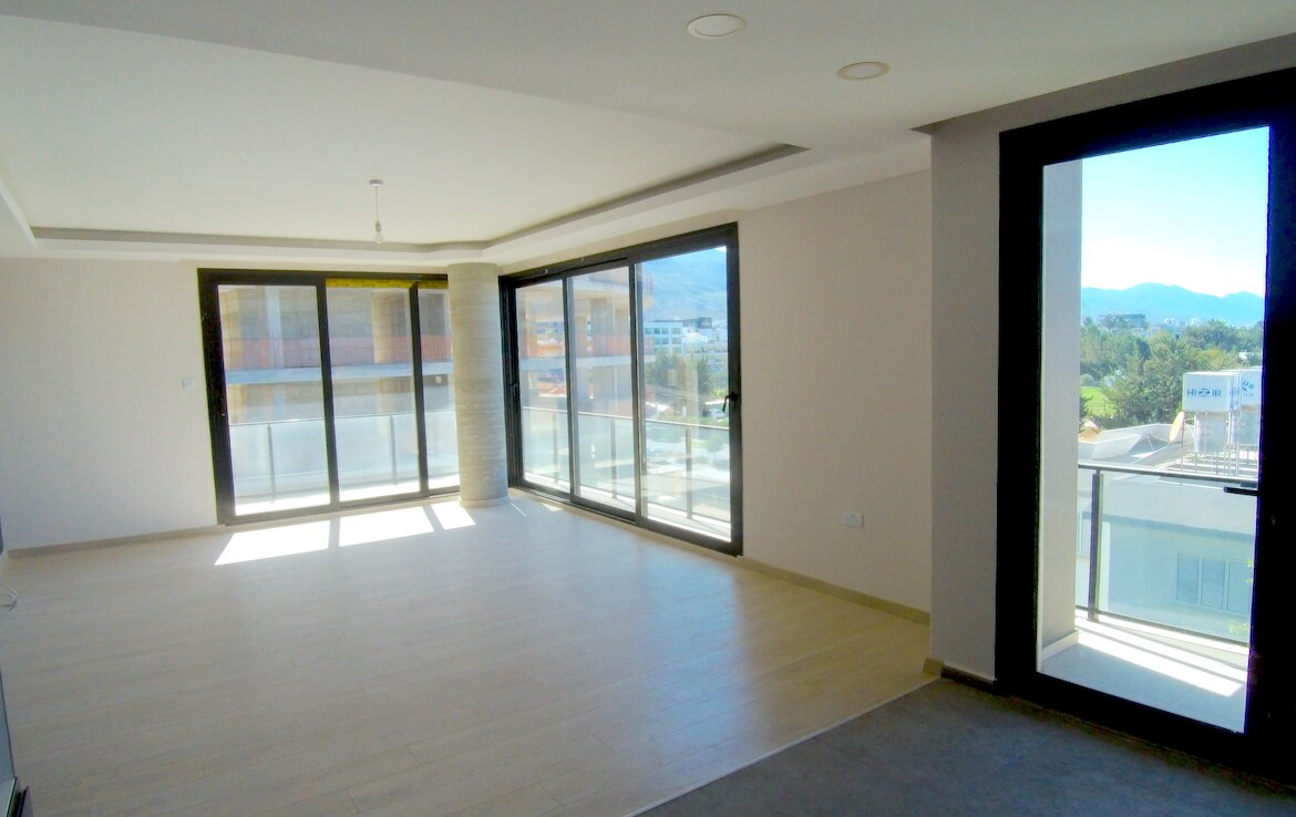 SA-384 THREE BEDROOM APARTMENT IN A READY HOUSE