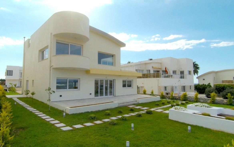 SV-405 Luxury villa by the sea