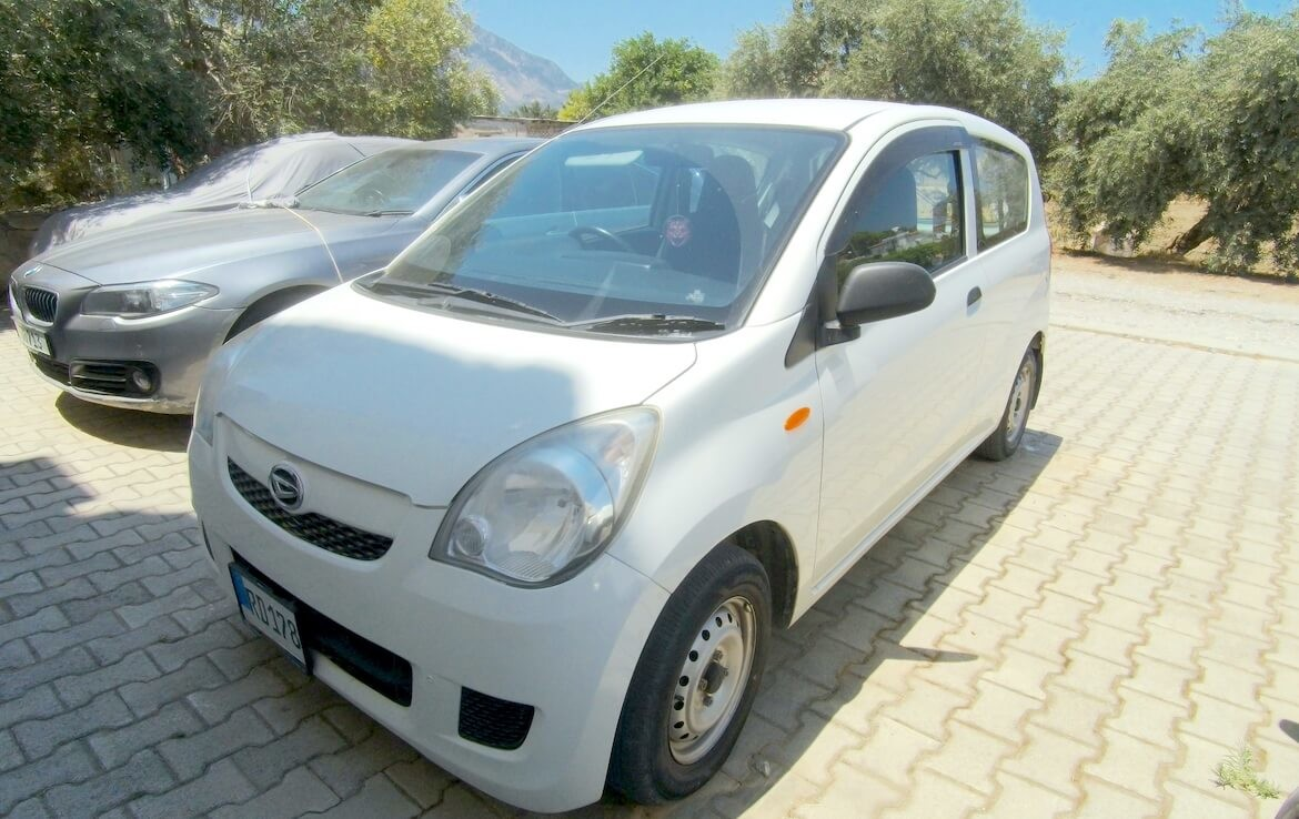 SA-2101 Buy an apartment with a car as a gift
