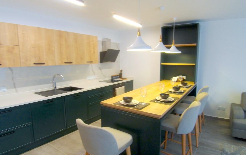 SA-299 Luxury apartment in the center of Girne, Veles