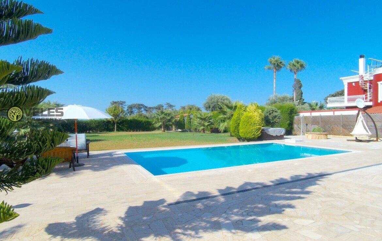 SV-502 Luxury villa near the sea, Veles